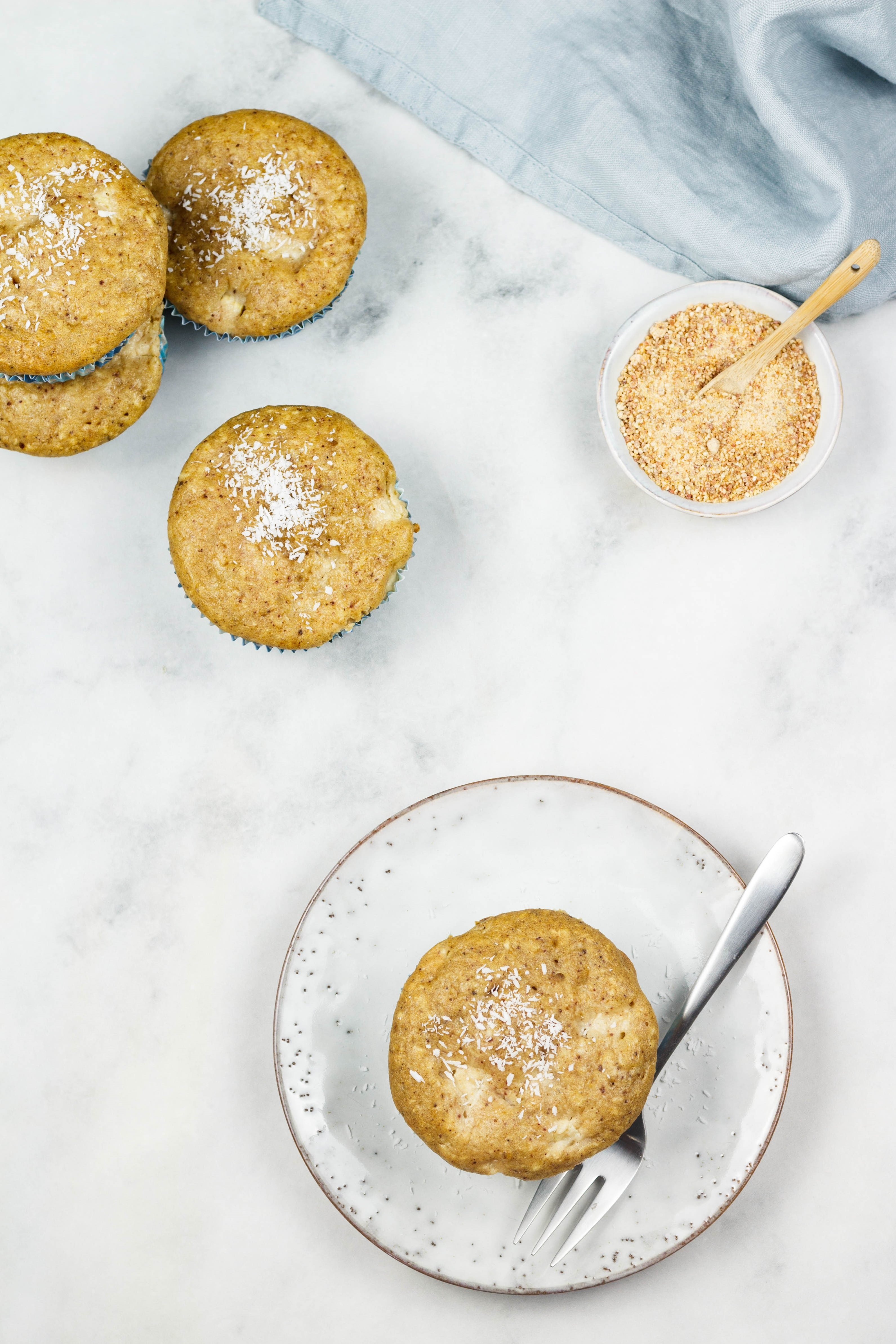 Vegane Kokos-Ananas Muffins ohne Zucker