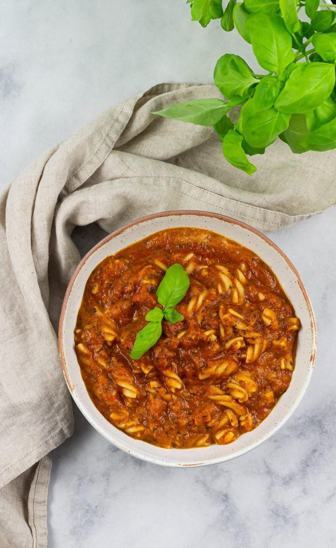 Vegane Tomaten Nudelsuppe