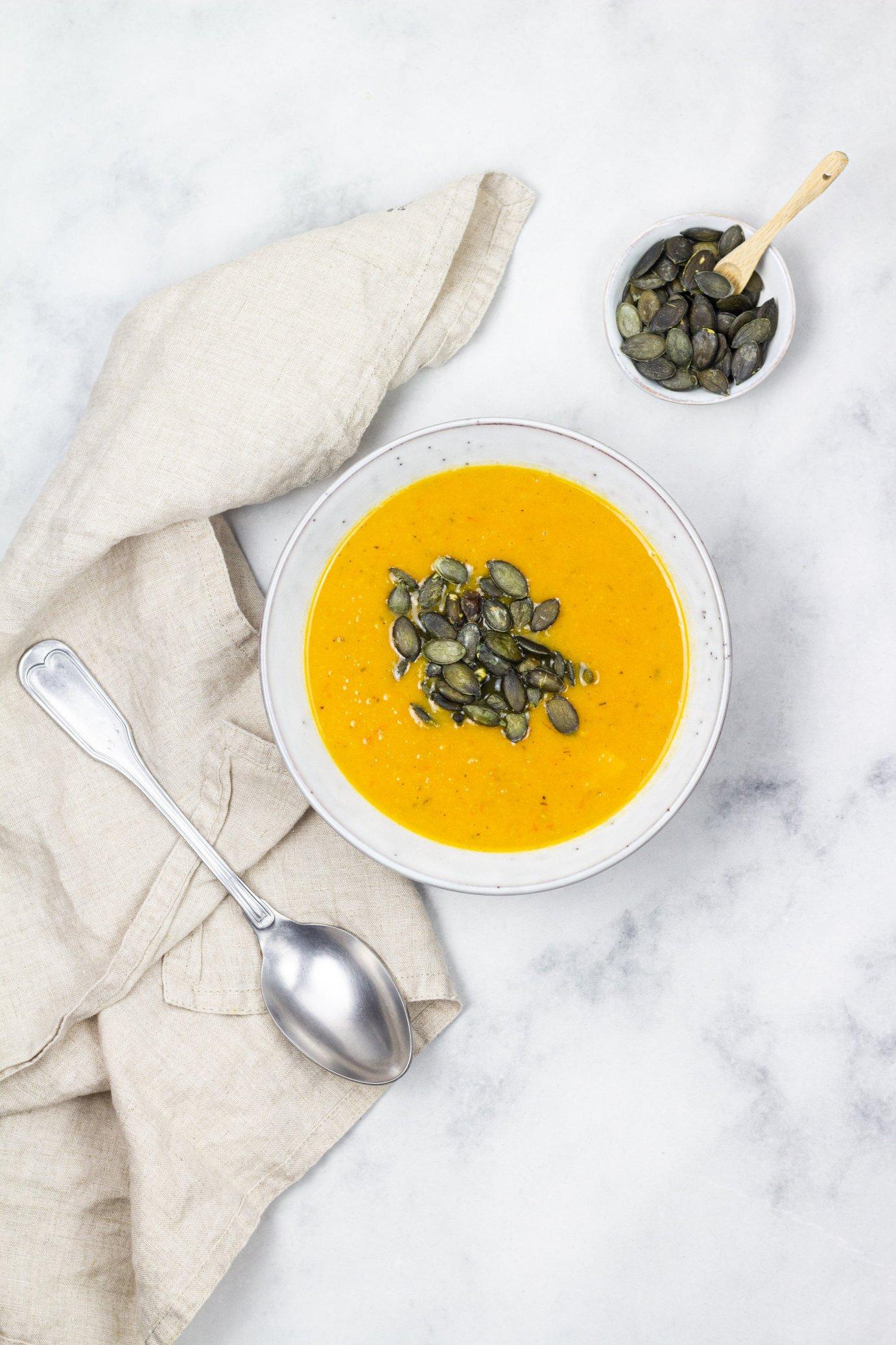Vegane-Suesskartoffel-tomaten-suppe